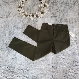 STYLE & CO Evening Olive Green Slim Leg Jean 2P SH